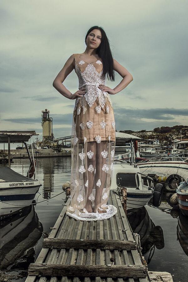 Φόρεμα δαντέλα.