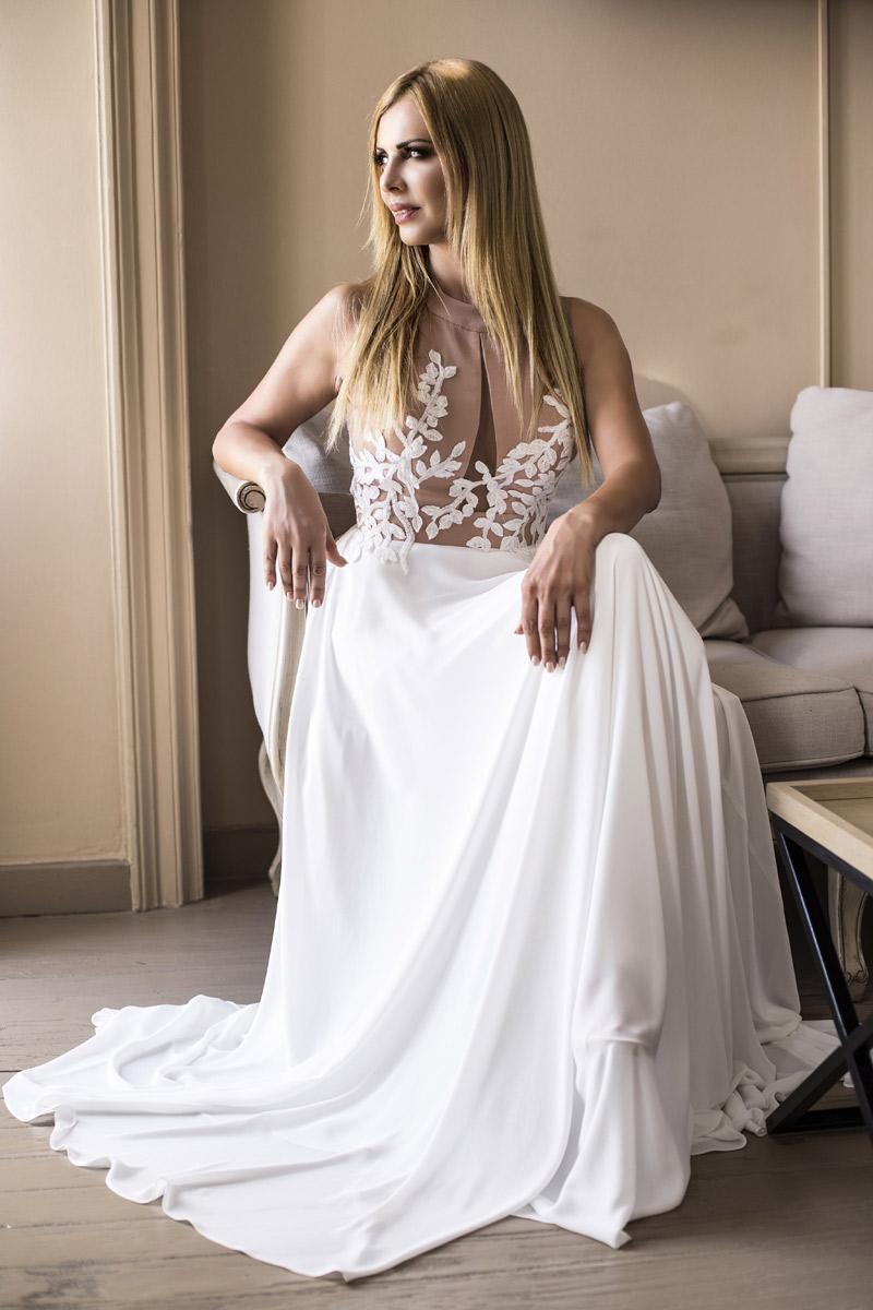 Νυφικό φόρεμα με μπούστο στο χρώμα του δέρματος